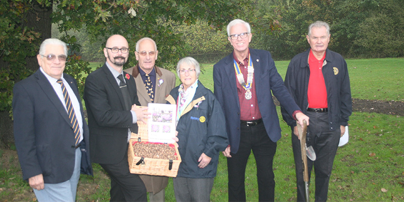 Rotary Club of Hoddesdon present Bulbs to Woollensbrook Crematorium